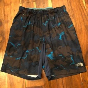 The North Face Flash Dry Camo Shorts, size S